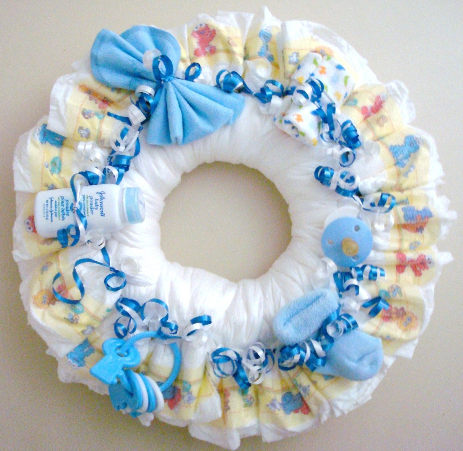 Boy diaper wreath by meshell609 on etsy for Baby shower diaper decoration