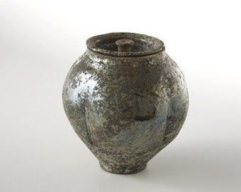 LIDDED FORMS