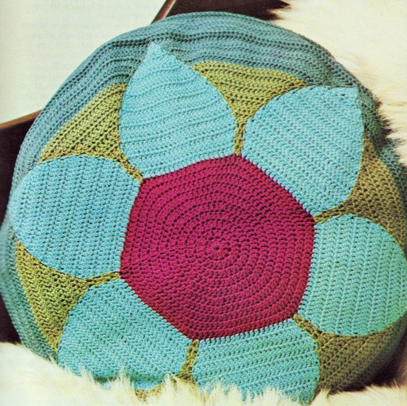 INSTANT DOWNLOAD PDF Vintage Crochet Pattern   Bright Bold Circular Flower  Cushion Pillow Cover  Retro