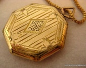 Octagonal Monogrammed Gold Filled Locket Pendant Photo 20 Inch Long Box Link Chain 1930s