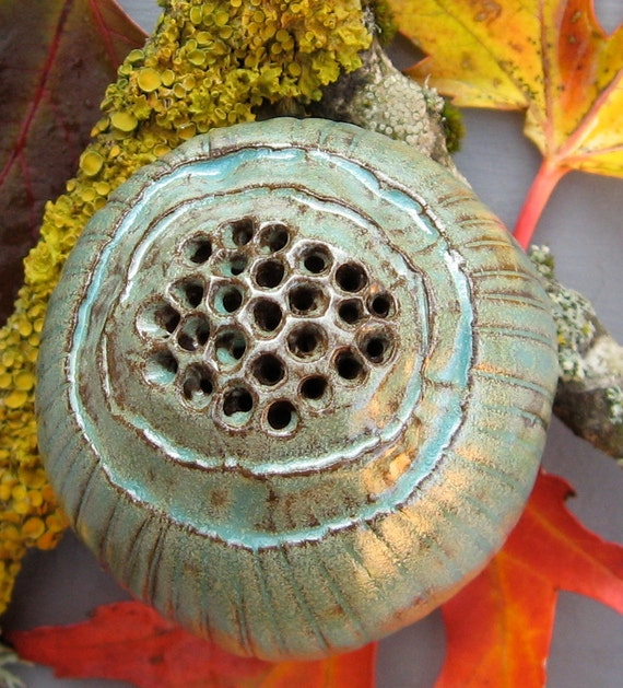 Ceramic Green Poppy Seed Pod Rattle