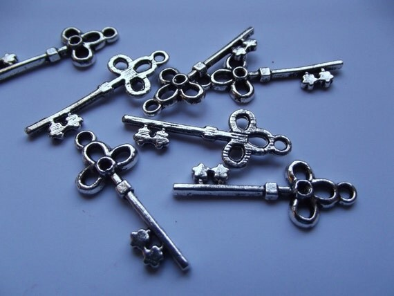 Key Charms - Flower Keys - Great for Pendants - 6 Pieces