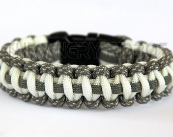 550 Paracord Survival Bracelet Cobra Deluxe - ACU Camo White and Foliage