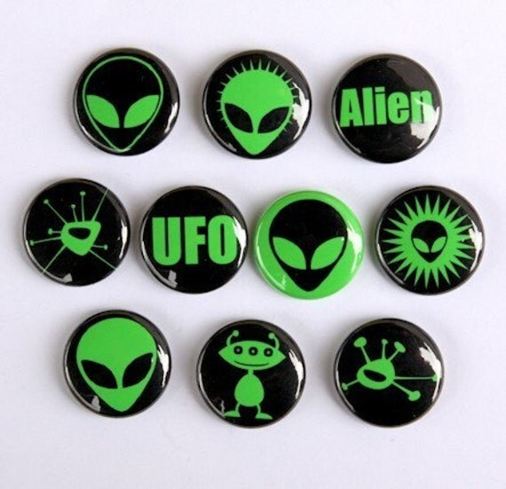 Green Aliens Set of 10 - Pinback Buttons Badges 1 inch