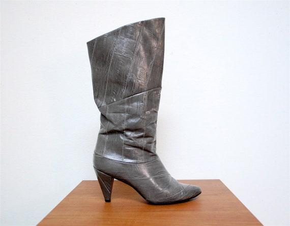 Vintage 80s faux eel skin grey boots 7