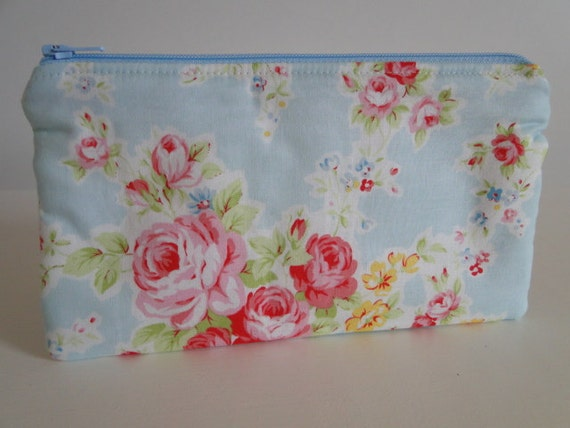 Free shipping - Medium Zipper Pouch - Lecien Antique Flower Collection - Japanese fabric