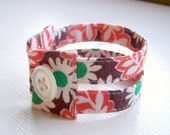 Double strand vintage feedsack cuff in retro daisies READY TO SHIP