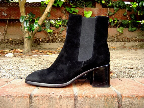 ONYX suede ankle boots - Made in Italy ( Sz 6.5 US, 37 EU )