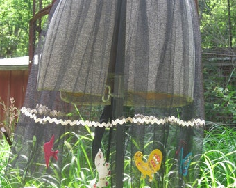 The Black Mesh Apron That Begs to be Admired. Felt and Sequins Animals Ric Rac A Hostesses Dream.