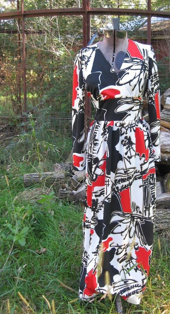 Lovely Full Length Boldy Patterned Dress