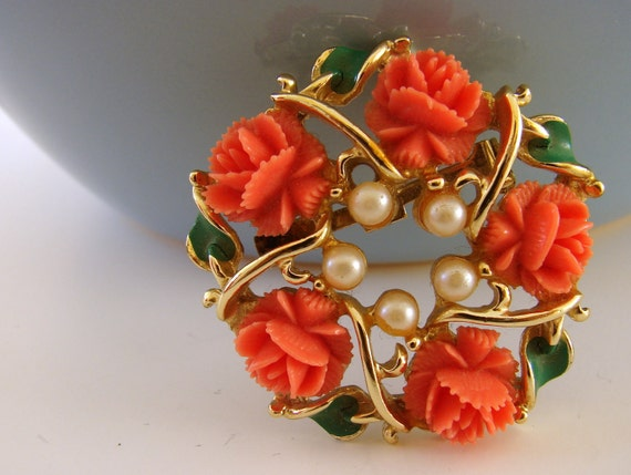 Spring Wreath Brooch Bakelite and Pearls Vintage Faux Jewelry
