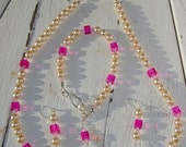 Pearl and Pink bead Necklace, bracelet and earring set with pale pink Swarovski crystal
