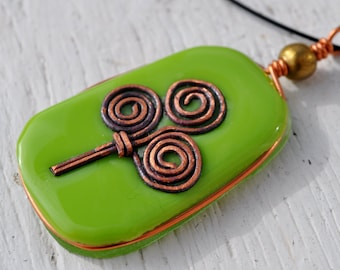 Green fused glass celtic necklace
