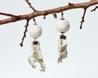 Funky-felted earrings white-cream neutral