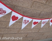 Valentines Day Heart Pennant Banner, Ready to Ship, Reusable, Party decoration, fabric party flags, photo prop