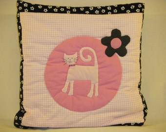 """CHILD SIZE QUILLOW- """"Kitty """" Themed"""