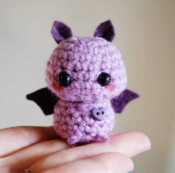 Amigurumi Bat Wings : Mini Amigurumi Purple Bat Kawaii Halloween Decoration
