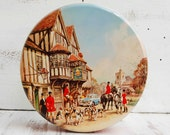 Vintage FOX Hunt Biscuit Tin English Equestrian Cookie Tin