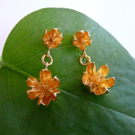 Gold Seed Pod Earrings // Crepe Myrtle Studs