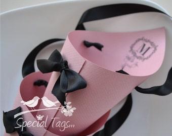 Confetti Cones - Candy Cones - Wedding Paper Cones - Set of 10 - Custom Wedding Cones - Monogram Paper Cone - Pink Wedding Cones
