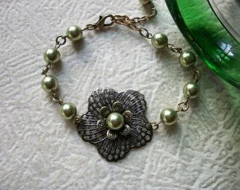 Amanda - Vintage Flower Bracelet