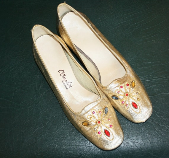Oh Those Golden Slippers - by Oomphies - Circa 70s - Party Flats - Hollywood Regency