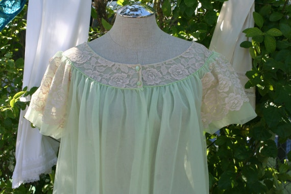 Undercover Angel - Pale Green Double Chiffon Robe with Ecru Lace Trim - Size Large
