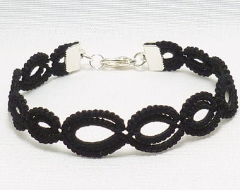 Tatted jewelry Lace Bracelet in your color choice -Graduated Simplicity