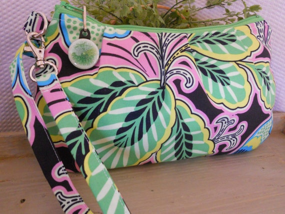 "Pleated Wristlet Zipper Pouch / Carry-All ... with Interior Pocket ... in Amy Butler's ""Floral Couture"""