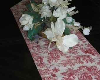 "Waverly's ""Rustic Life"" Toile Table Runner"