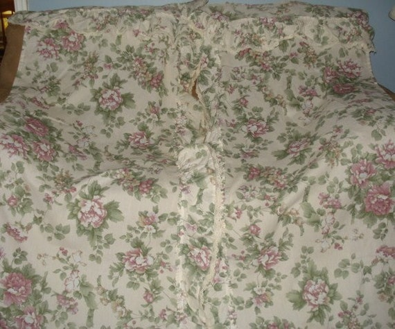 VINTAGE FABRIC FLORAL RUFFLE LACE SHOWER CURTAIN