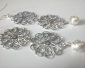 White Pearl /  Earrings