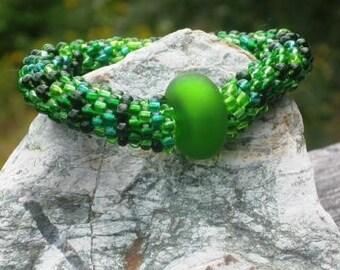 Kelp bead crochet bracelet....................FREE SHIPPING.......................