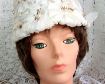 Vintage Cloche Hat Beige Flowers - Easter Bonnet