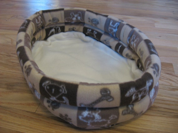 Doggie Prints Deluxe Small Animal Bed