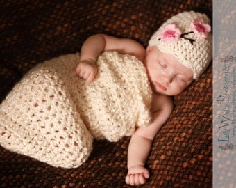 Chunky Newborn Cherry Blossom Cocoon and Hat Set