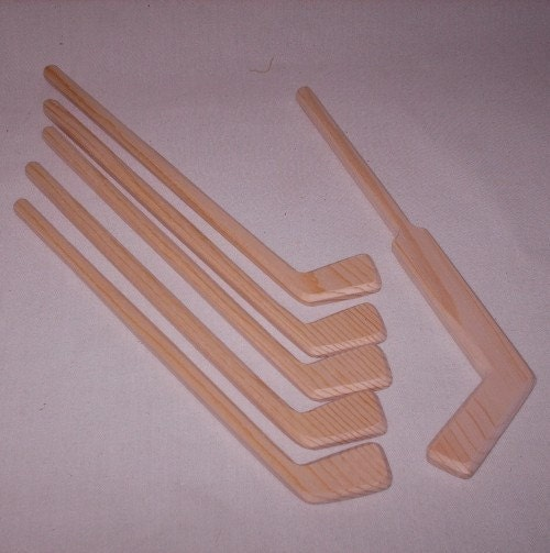 Natural Diy Wooden Toy Mini Set Of 5 Hockey Player Sticks With