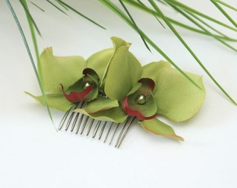 Sage green orchid hair comb, orchid hair flowers, bridal hairpiece
