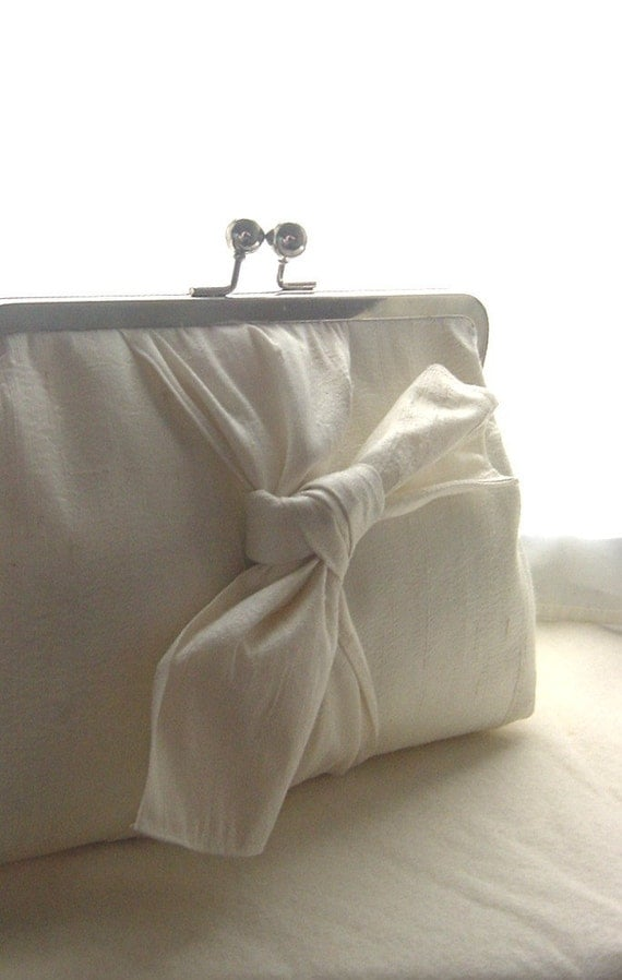 Wedding Clutch - Ivory Bridal Clutch - Wedding Purse - Wedding Gifts - Bridesmaids Clutch - Bridesmaids Gifts - Samantha Clutch
