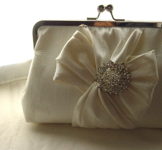 Ivory Bridal Clutch / Ivory Wedding Clutch / Bridesmaids Clutch /  Chloe