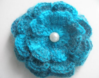 Crocheted  brooch made with handmade wool yarn...Crochet Pattern...Crochet Flowers