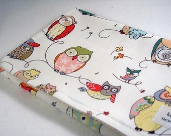 Burp Cloth with style - Cotton / Organic undyed French Terry - A Spotted Owl
