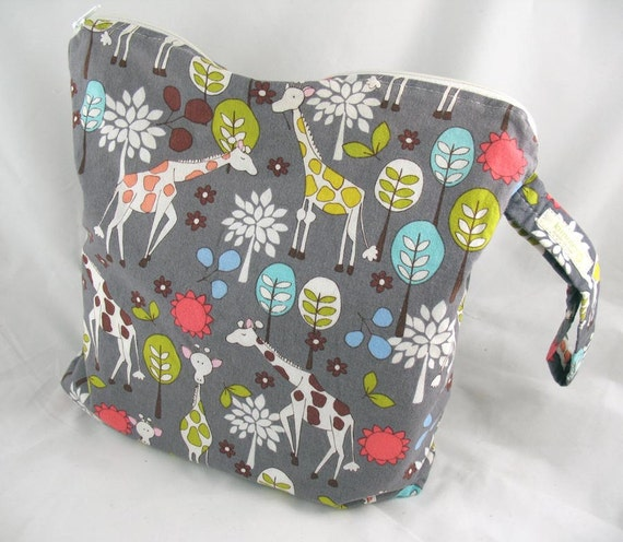 Wet Bag, Diaper Keeper - Water Proof Lining with Zipper Openning - Giraffe Garden Grey