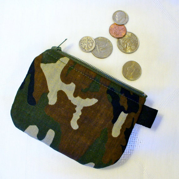 A coin purse is a small change pouche made for carrying coins. These change purses keep your loose change under control. We carry the widest selection of men's leather change purses from Squeeze Coin Purse to our vintage Coin Purse with Metal Frame.