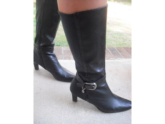 Gorgeous New York Transits BOOTS ... BLACK heels .... calf boots ... hardware ...  7 1/2