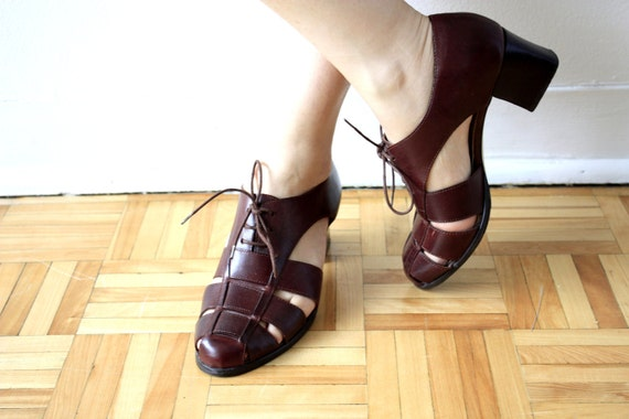 SALE Vintage 1980's Brown Gladiator Leather LACEUP HEELS (Size 7)