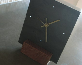 TABLETOP SLATE CLOCK > Small Black Salvaged Slate & Reclaimed Wood—Fathers Day Graduation Housewarming Wedding—Horloge Ardoise/Reloj Pizarra