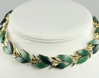 Vintage ca. 1950s Green Thermoplastic Inset Necklace