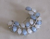 vintage Feather Shaped Brooch with Pearlized Glass Beads