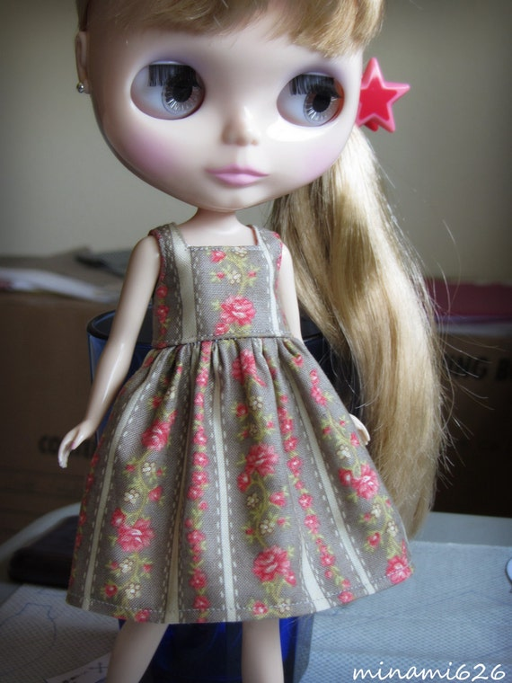 Simple dress-Classy Rose